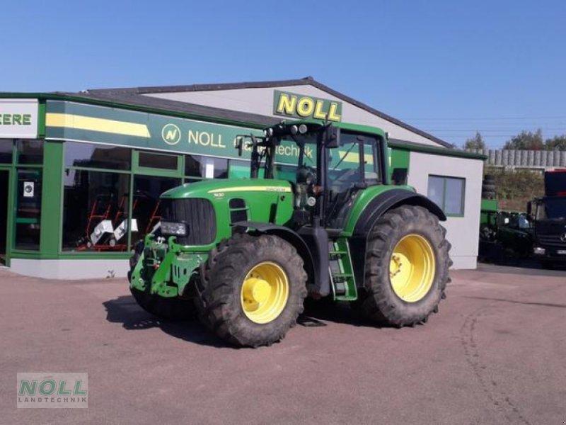Traktor des Typs John Deere 7430 E Premium, Gebrauchtmaschine in Limburg (Bild 1)