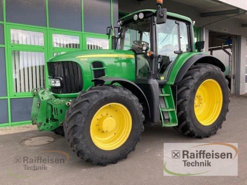 Traktor des Typs John Deere 7430 Premium, Gebrauchtmaschine in Homberg/Efze (Bild 1)