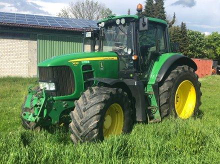 Traktor des Typs John Deere 7430 Premium, Gebrauchtmaschine in Hitzacker (Bild 1)