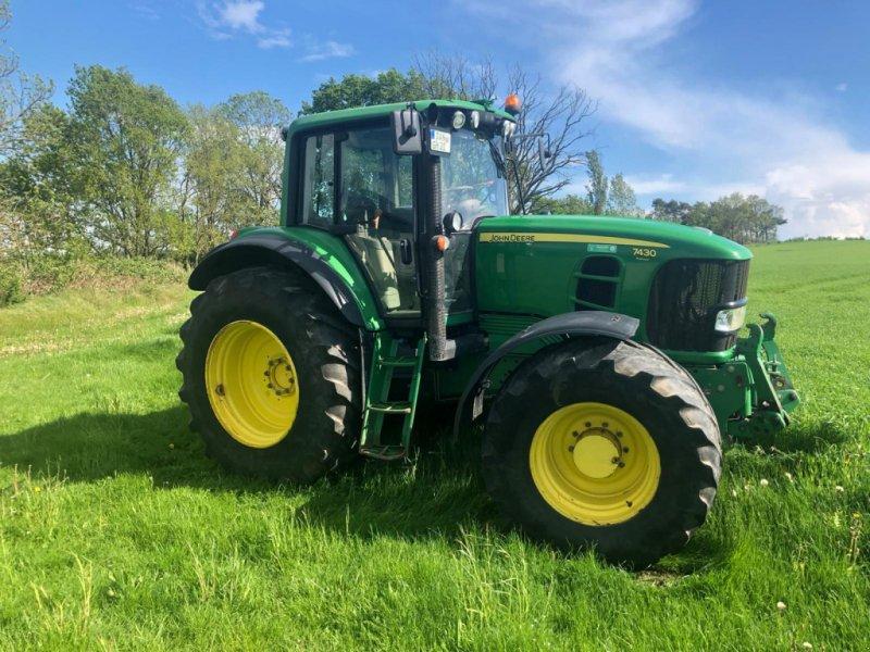 Traktor des Typs John Deere 7430 Premium, Gebrauchtmaschine in Hitzacker (Bild 4)
