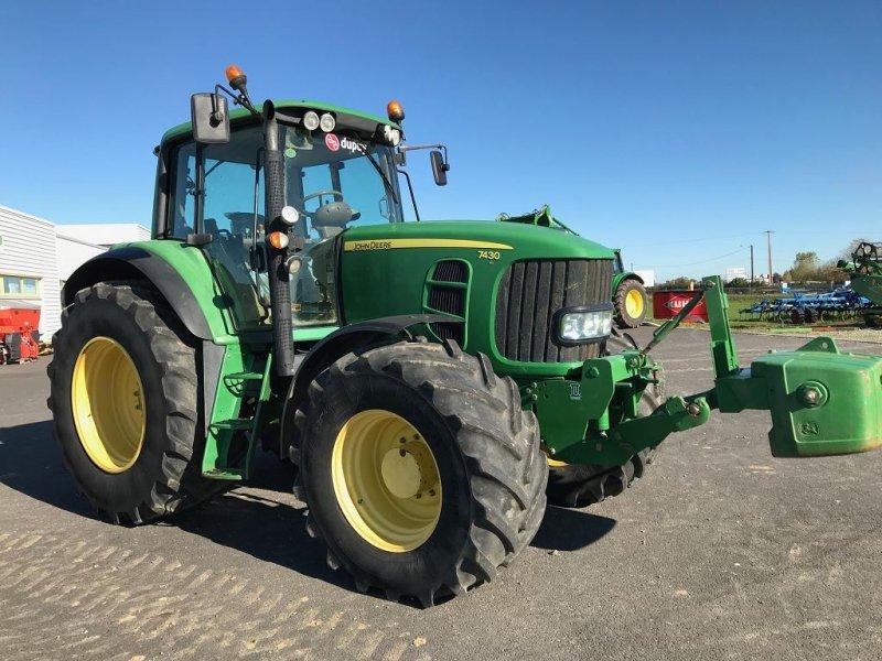 Traktor des Typs John Deere 7430PREM, Gebrauchtmaschine in MONDAVEZAN (Bild 1)