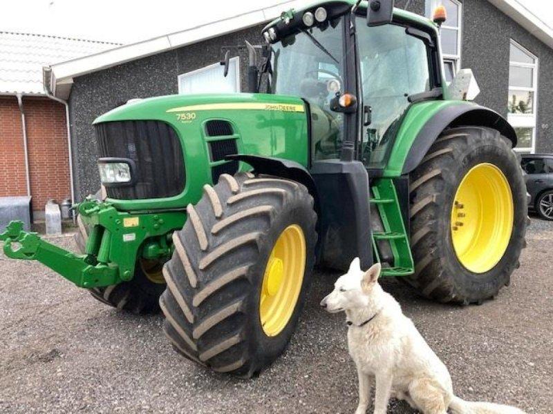 Traktor tipa John Deere 7530 AP AUTOTRAC TLS, FRONTLIFT, Gebrauchtmaschine u Dronninglund (Slika 1)
