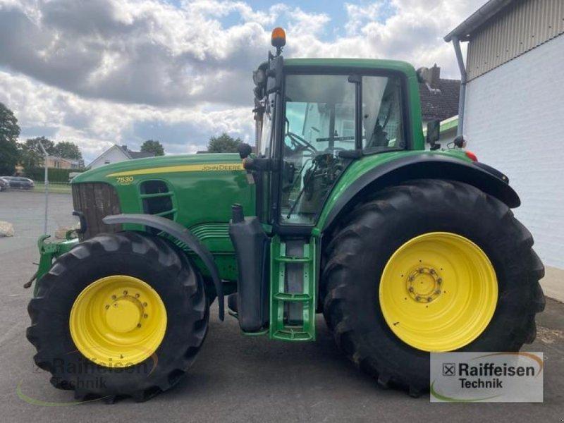Traktor des Typs John Deere 7530, Gebrauchtmaschine in Korbach (Bild 1)