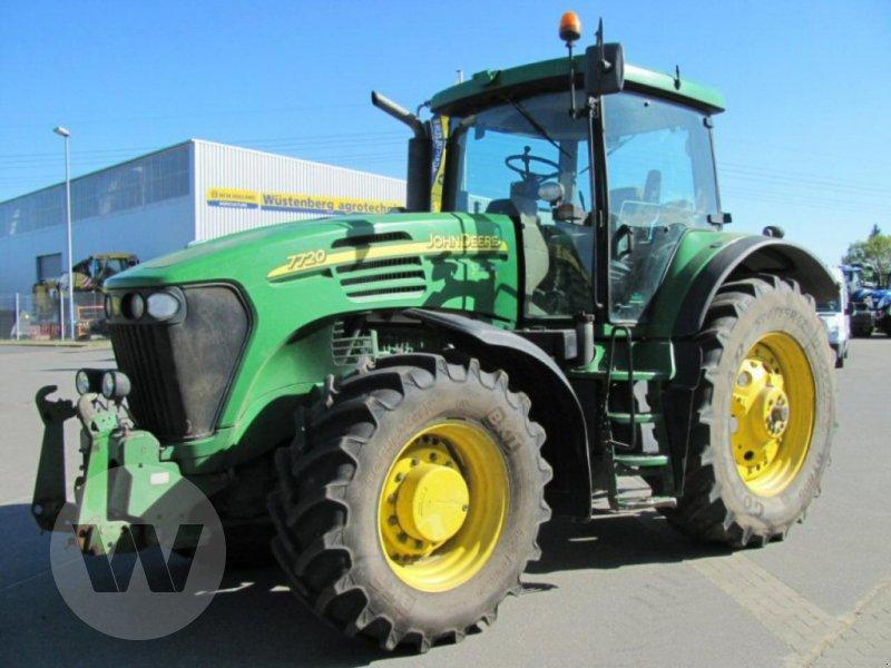 Traktor des Typs John Deere 7720, Gebrauchtmaschine in Bützow (Bild 2)