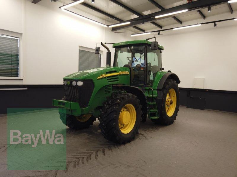 Traktor des Typs John Deere 7720, Gebrauchtmaschine in Manching (Bild 1)