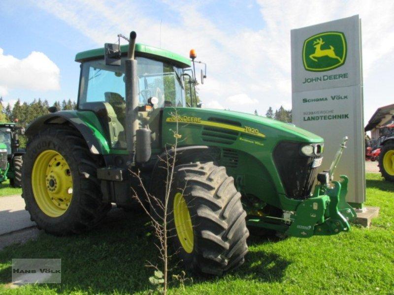 Traktor des Typs John Deere 7920, Gebrauchtmaschine in Soyen (Bild 1)