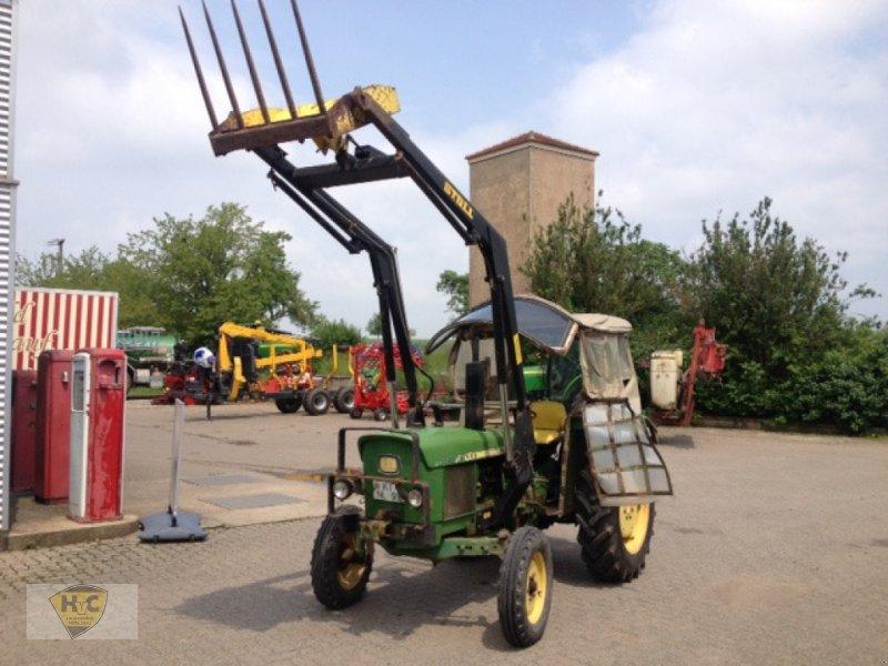 Traktor типа John Deere 820 mit Frontlader, Gebrauchtmaschine в Willanzheim (Фотография 1)