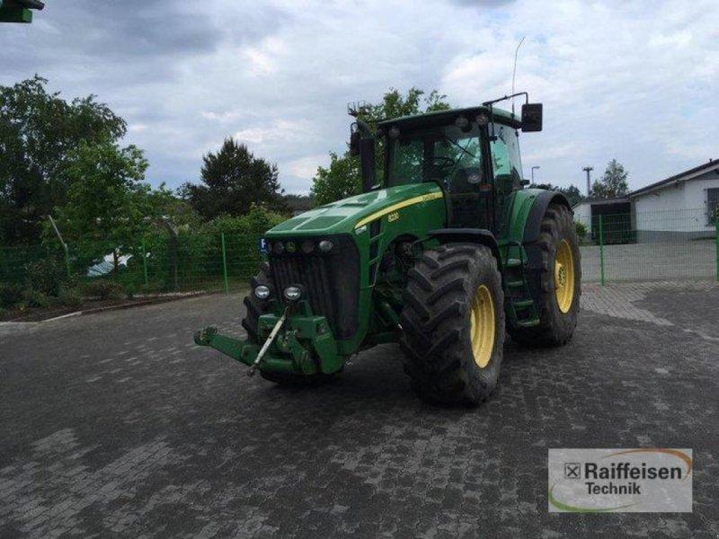 Traktor des Typs John Deere 8230, Gebrauchtmaschine in Bützow (Bild 1)