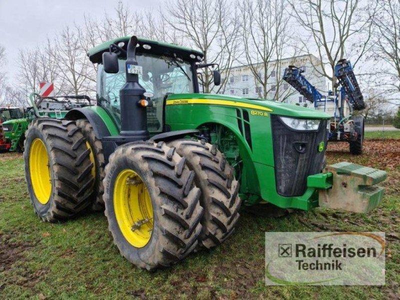 Traktor des Typs John Deere 8270 R E23, Gebrauchtmaschine in Kruckow (Bild 1)