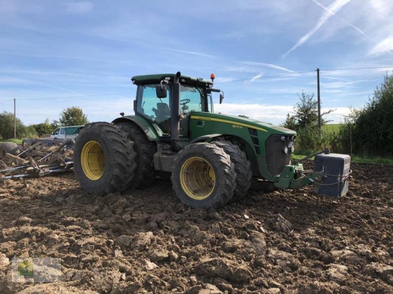 Traktor des Typs John Deere 8270R Powr Shift, Gebrauchtmaschine in Salsitz (Bild 1)