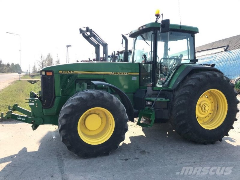 Traktor типа John Deere 8300 MED FRONTLIFT, Gebrauchtmaschine в Hobro (Фотография 5)