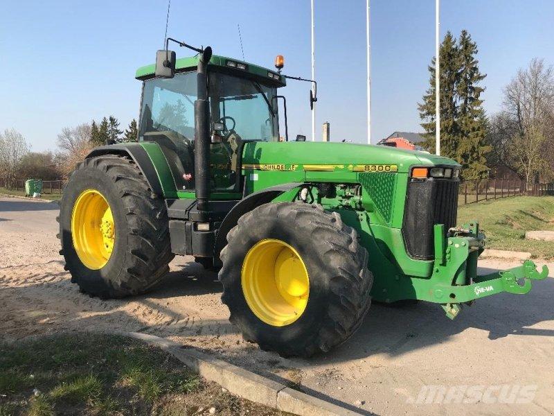 Traktor типа John Deere 8300 MED FRONTLIFT, Gebrauchtmaschine в Hobro (Фотография 1)