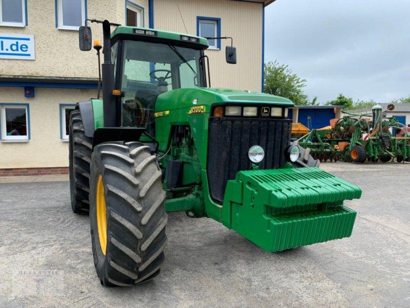 Traktor des Typs John Deere 8300 PowerShift, Gebrauchtmaschine in Pragsdorf (Bild 1)