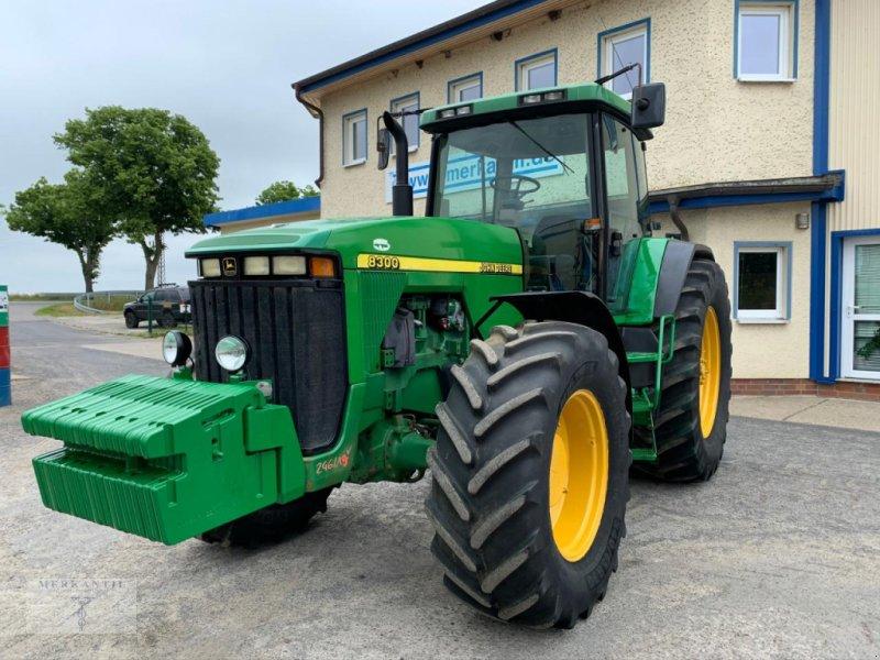 Traktor типа John Deere 8300 PowerShift, Gebrauchtmaschine в Pragsdorf (Фотография 2)