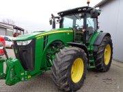 John Deere 8310 R Traktor