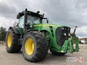 John Deere 8320 R Traktor