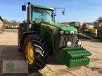 Traktor des Typs John Deere 8320 in Salsitz