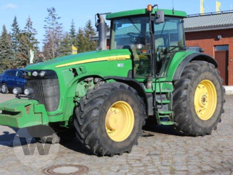 Traktor des Typs John Deere 8320, Gebrauchtmaschine in Jördenstorf (Bild 1)