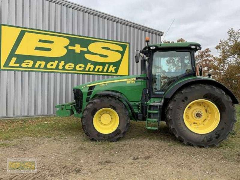 Traktor del tipo John Deere 8320R ALLRADTRAKTOR, Gebrauchtmaschine en Neustadt (Dosse) (Imagen 1)