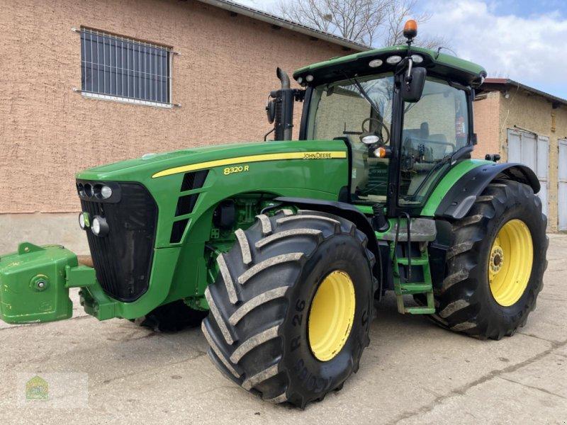 Traktor des Typs John Deere 8320R * Powr Shift 16/5 *, Gebrauchtmaschine in Salsitz (Bild 1)