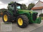 Traktor des Typs John Deere 8320R in Weißenschirmbach
