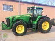 Traktor des Typs John Deere 8330 *Powr Shift*, Gebrauchtmaschine in Salsitz