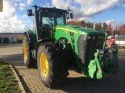 Traktor типа John Deere 8330, Gebrauchtmaschine в Schladen