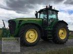 Traktor des Typs John Deere 8330 in Weißenschirmbach