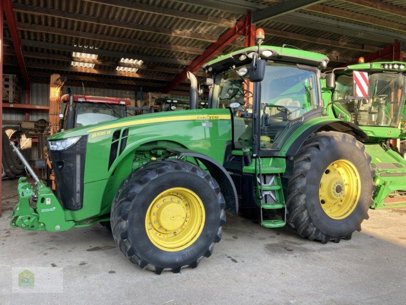 Traktor des Typs John Deere 8335R * Powr Shift *, Gebrauchtmaschine in Salsitz (Bild 1)