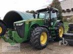 Traktor des Typs John Deere 8335R in Meppen-Versen