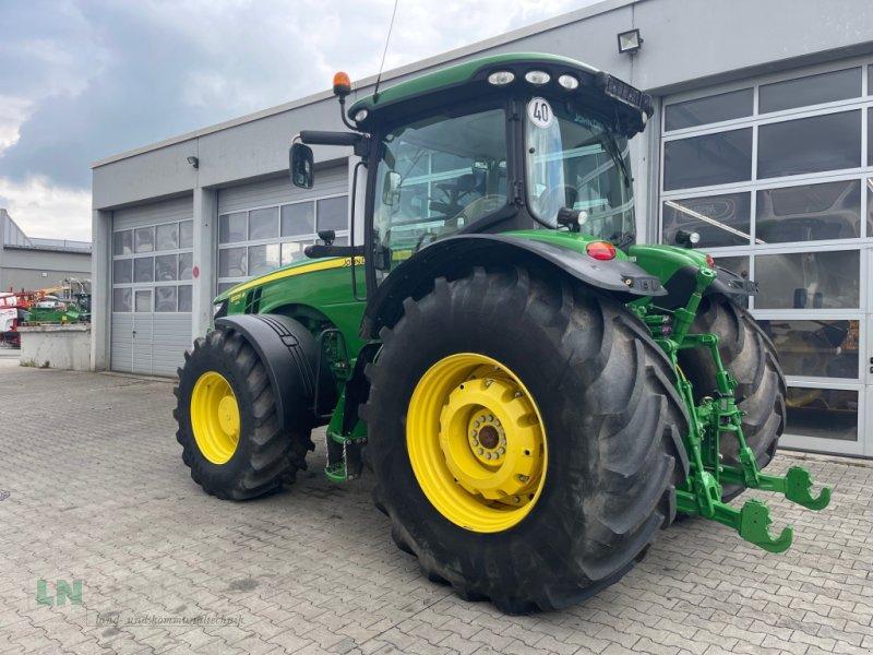 Traktor des Typs John Deere 8335R, Gebrauchtmaschine in Eggenfelden (Bild 1)