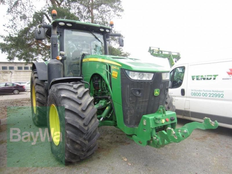 Traktor des Typs John Deere 8345 R, Gebrauchtmaschine in Großweitzschen  (Bild 1)