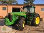 Traktor des Typs John Deere 8410 in Salsitz