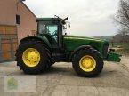 Traktor des Typs John Deere 8420 in Salsitz