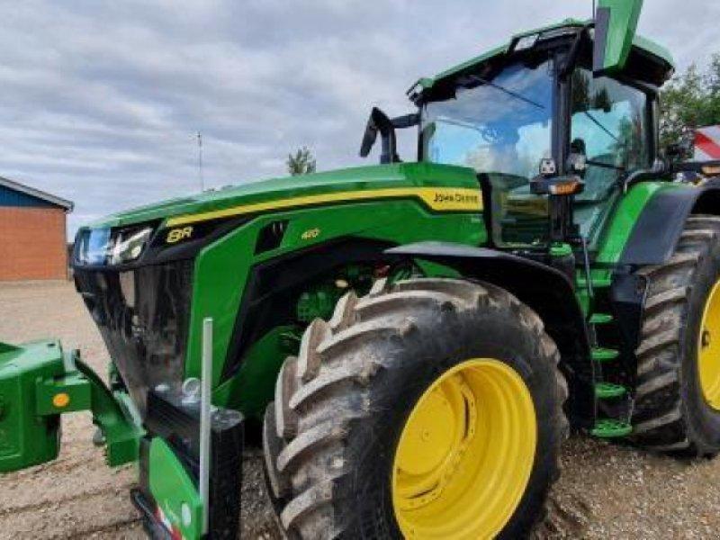 Traktor des Typs John Deere 8R 410, Gebrauchtmaschine in Videbæk (Bild 1)