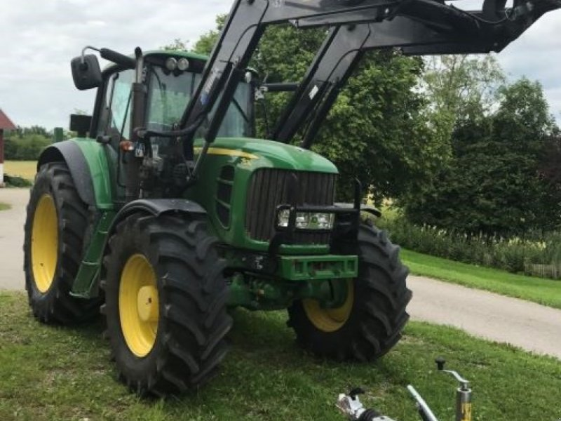 Traktor типа John Deere nur 4500 Betr. Std., Gebrauchtmaschine в Ebersberg (Фотография 1)