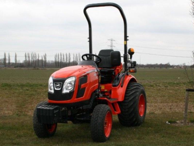 Traktor типа Kioti Diverse types, Gebrauchtmaschine в Laren Gld (Фотография 1)