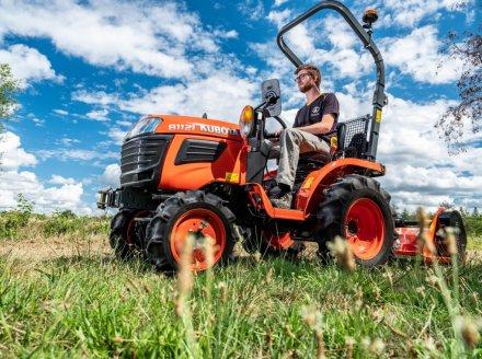 Traktor des Typs Kubota B1121 incl Schlegelmäher, Neumaschine in Olpe (Bild 2)