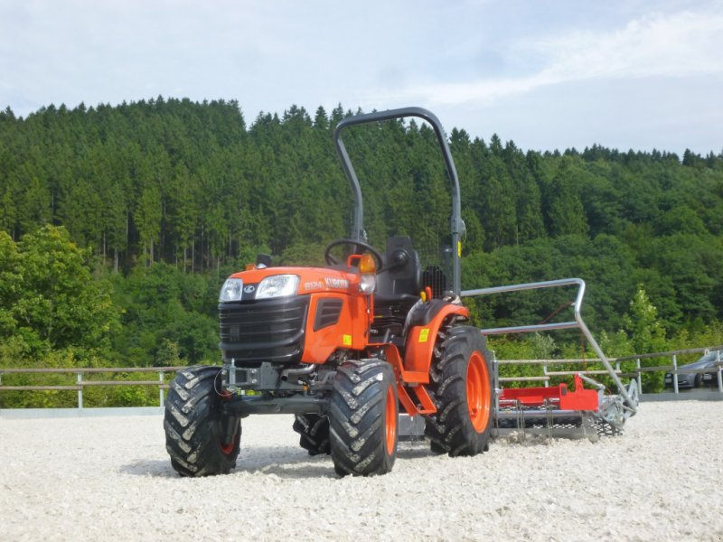 Traktor des Typs Kubota B1241 Allrad, Neumaschine in Olpe (Bild 2)