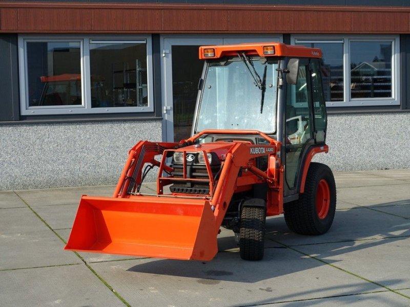 Traktor des Typs Kubota B2110 4wd HST / 4416 Draaiuren / Voorlader / Cabine, Gebrauchtmaschine in Swifterband (Bild 1)