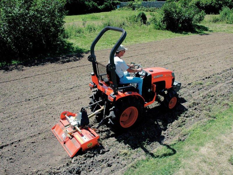 Traktor des Typs Kubota B2201 Ausstellungmaschine, Neumaschine in Olpe (Bild 1)