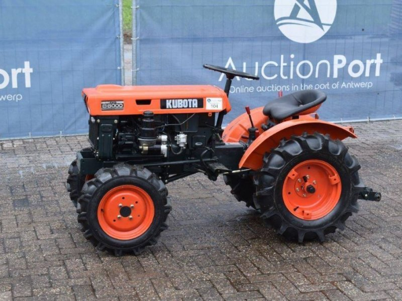 Traktor типа Kubota B6000, Gebrauchtmaschine в Antwerpen (Фотография 1)