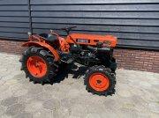 Traktor типа Kubota B7000, Gebrauchtmaschine в Neer