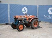 Kubota B7000 Traktor