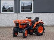 Traktor типа Kubota B7001 4wd, Gebrauchtmaschine в Swifterband