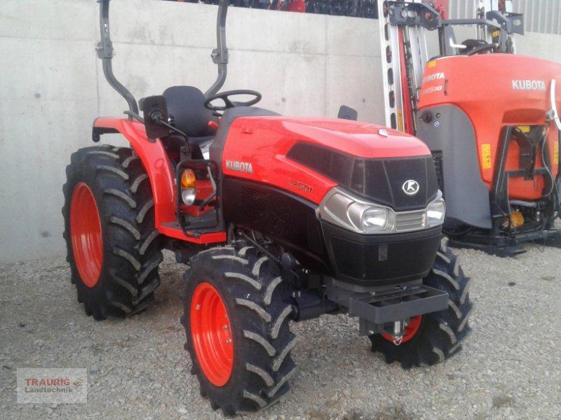 Traktor des Typs Kubota L 2501, Neumaschine in Mainburg/Wambach (Bild 1)