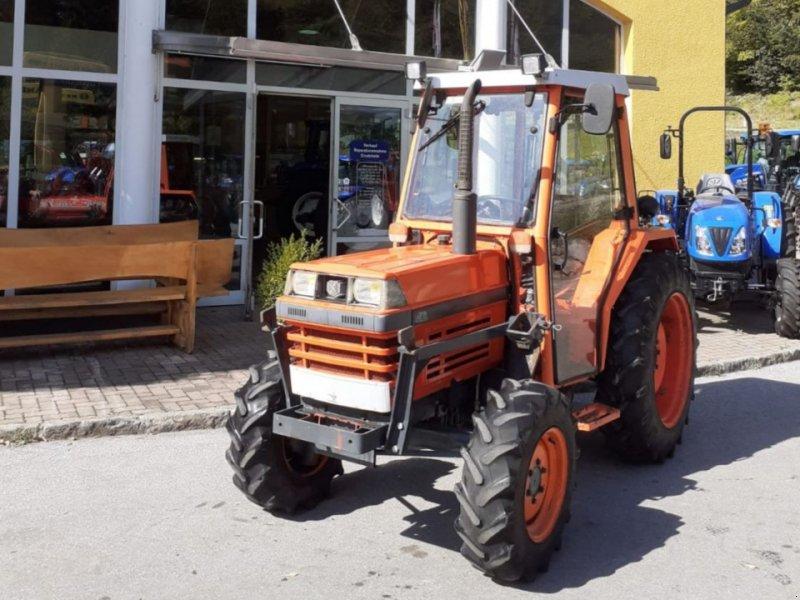 Traktor des Typs Kubota L 3250, Gebrauchtmaschine in Burgkirchen (Bild 1)
