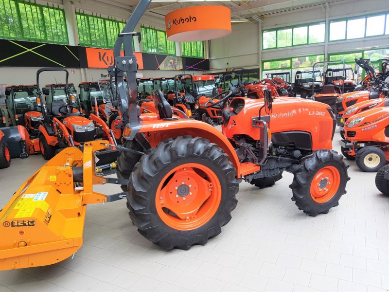 Traktor des Typs Kubota L1-382 Neu, Neumaschine in Olpe (Bild 2)