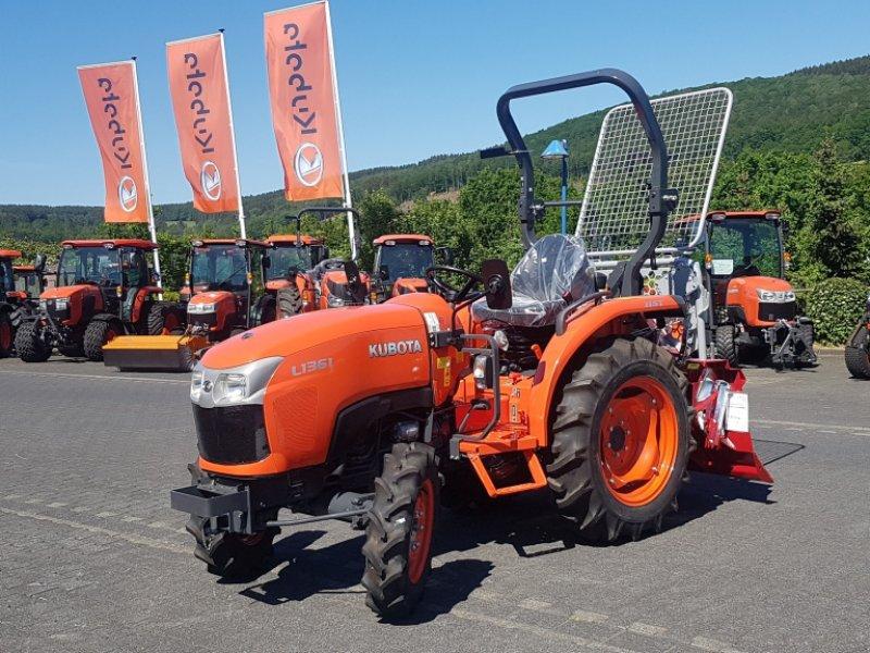 Traktor des Typs Kubota L1361 Hydrostat, Neumaschine in Olpe (Bild 4)