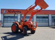 Kubota L1361 mit Frontlader Traktor